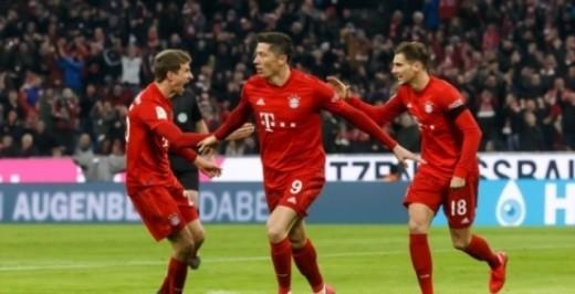 德甲-J罗破门得分 万乐·龚建·拜仁2-0沙尔克在联赛中连续4次